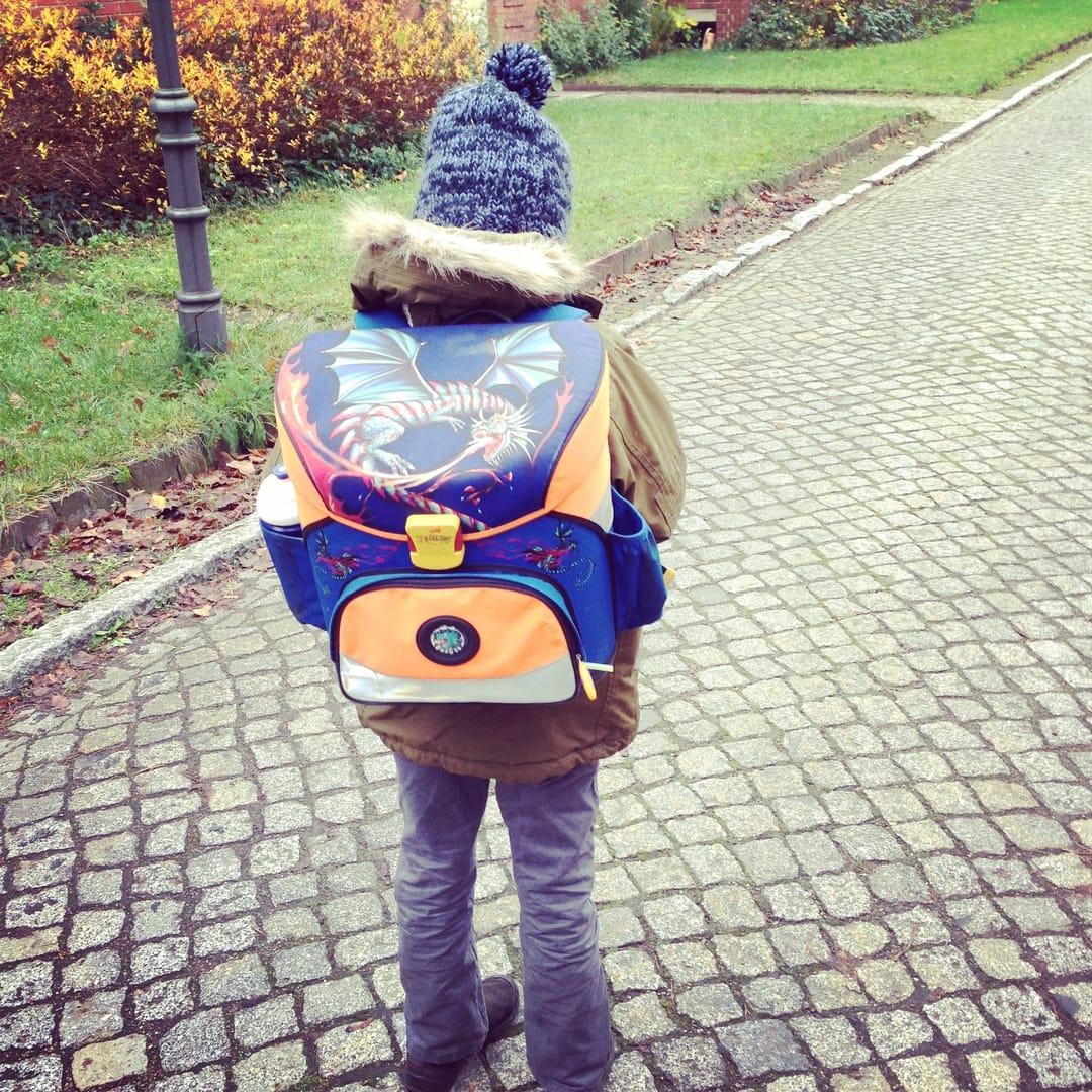 Schulweg Frau Mutter Blog
